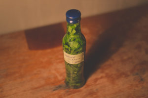 Wild garlic tincture